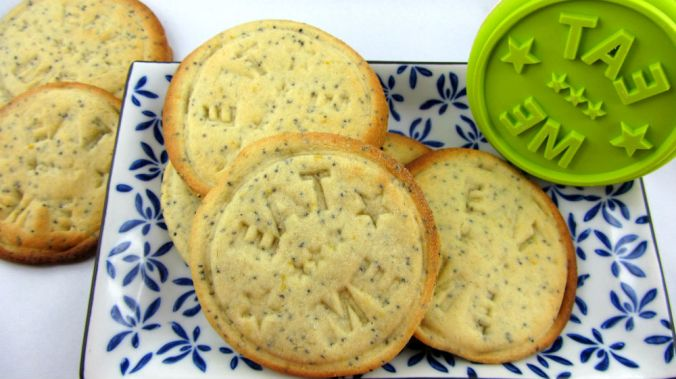 Lemon poppyseed butter biscuits