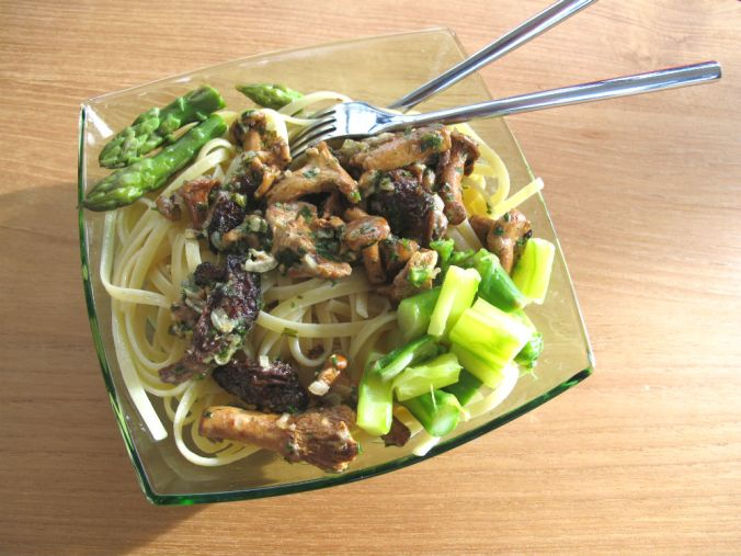 Pasta mushroom asparagus
