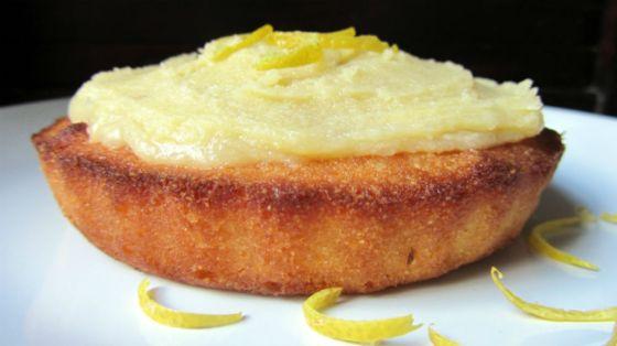 Lemon polenta cake with lemon buttercream